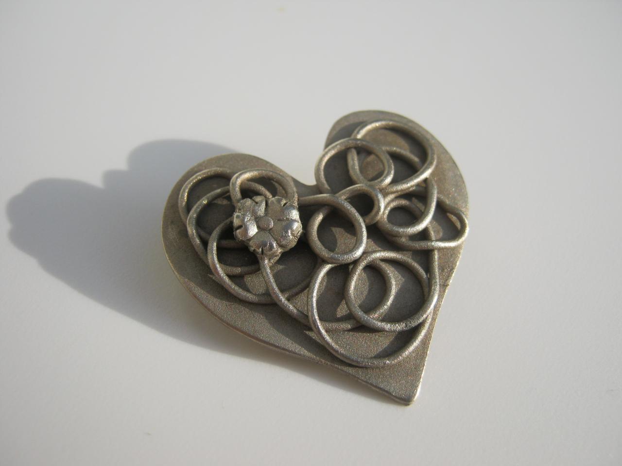 Broche coeur bronze blanc